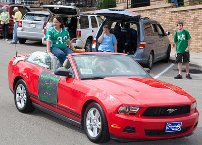Wendy Carhart served as Grand Marshall to this years parade (former Art Teacher @ THS)