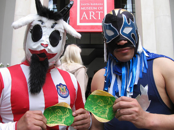 IMG_0694c  luchadores  la chiva and blue fish--note their preference for corn tortilla---100 percent authentico!!!
