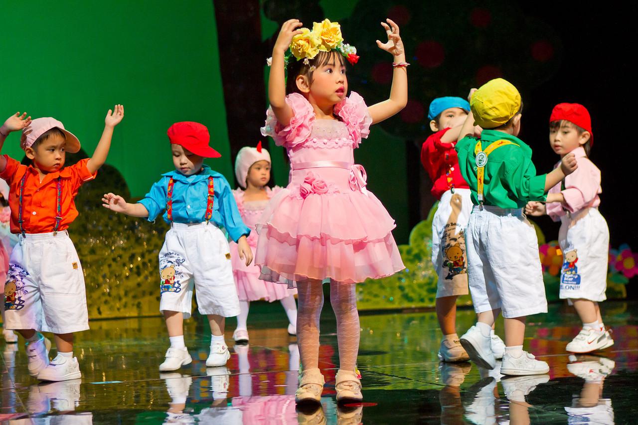 Varee Chiangmai School Annual Performance 2011 at Kad Theatre