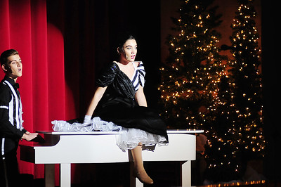 """White Christmas"" at New Castle High"