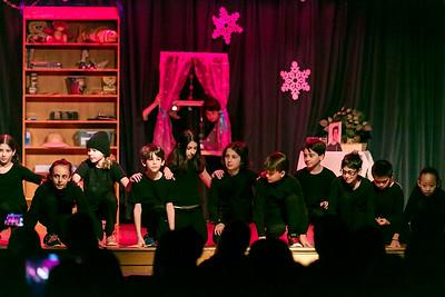 Ps166 3-5 Holiday Show dec2016-3110