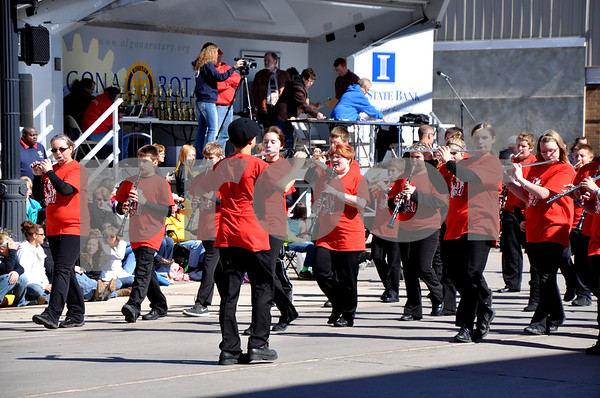 - Messenger photo by Peter Kaspari<br /> <br /> The marching band from Pocahontas Area Middle School shows off their talents Saturday afternoon during the annual Algona Band Days Festival.