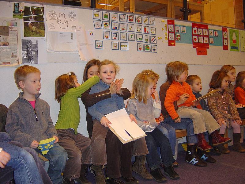 Zij hadden vooraf in de klas een aantal vragen opgesteld.<br /> Met deze vragen in de hand gingen de leerlingen aan de slag.