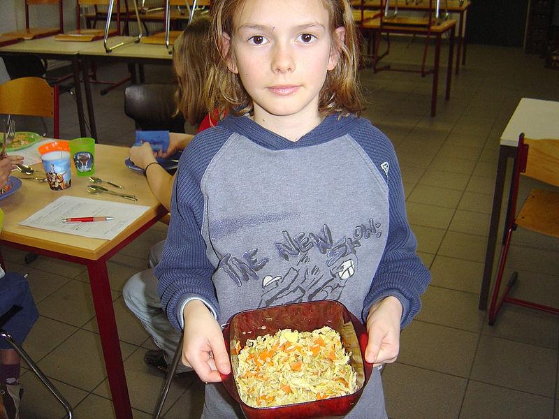 Mathias vond nasi goreng met kip dan weer de moeite om mee te bereiden en mee te brengen.