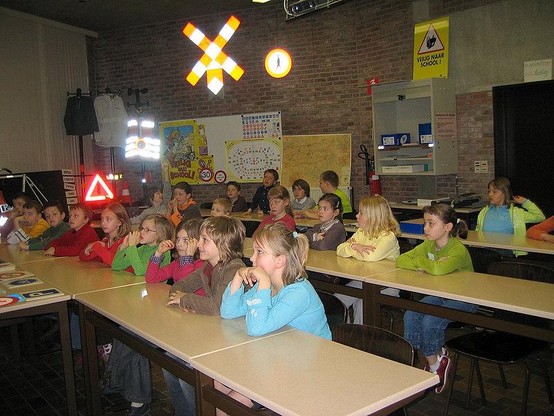 Wat een aandacht!<br /> <br /> Flinke leerlingen, de kinderen van <br /> <br /> het derde leerjaar !