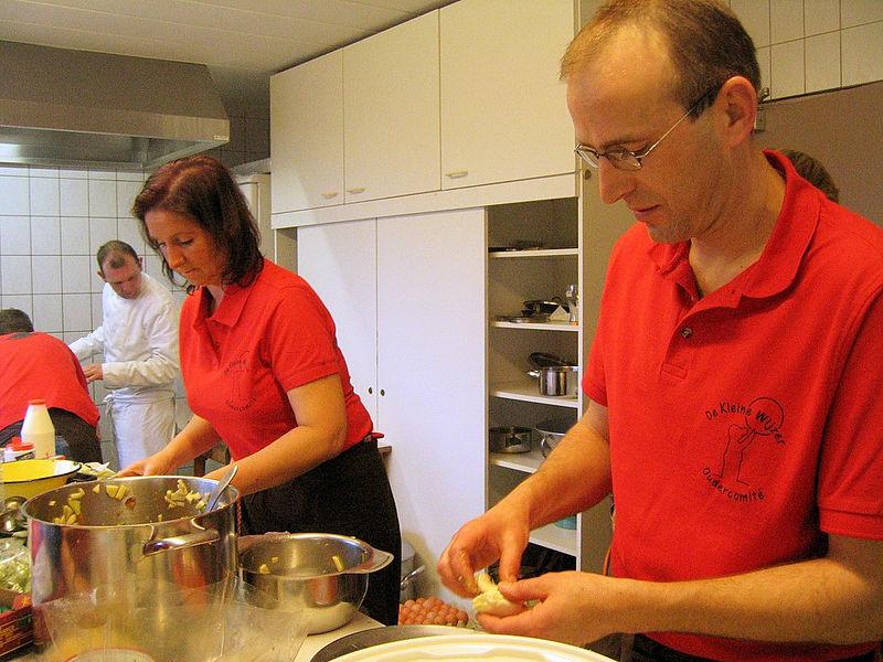 In de keuken waren ze al van 7 uur 's morgens aan 't werk!