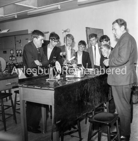 Mayor Roblin visits Aylesbury College, July 1968