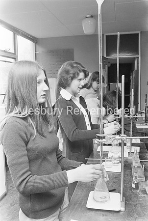 Science class at Aylesbury High School, Feb 1975