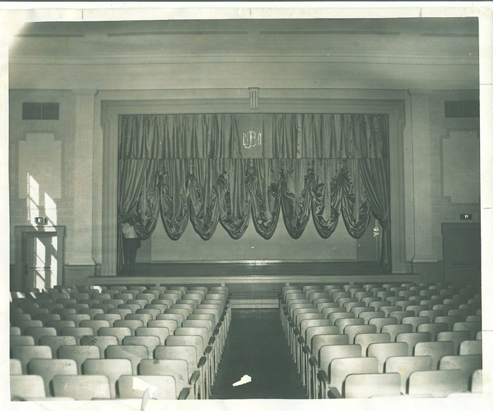 William Marvin Bass Elementary School Auditorium (06095)