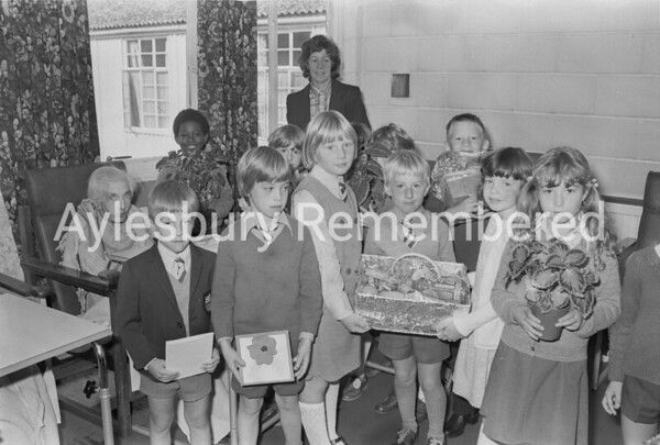Children from Bedgrove County Infant School at Tindal Hospital, Sep 1980