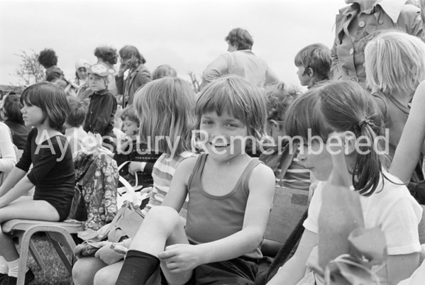 Bedgrove County Infant School sports, June 1978