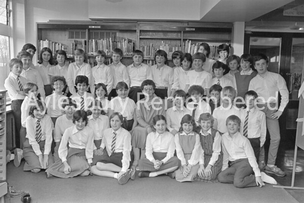 Bedgrove Junior School choir, Apr 1984