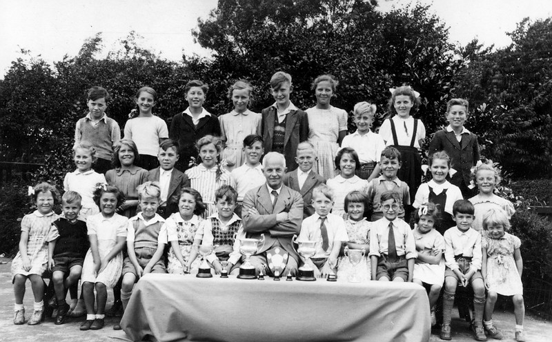 MDS and other prize winners at Bottesford School in 1950. Mr Bristow is the Headmaster