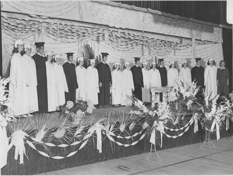 1948 Poplar Springs Graduates (identification needed)<br /> <br /> (photo by Jamie Connell)