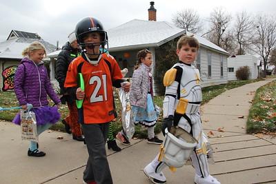 Halloween Parade - Louisville Elementary School - 2017-10-31