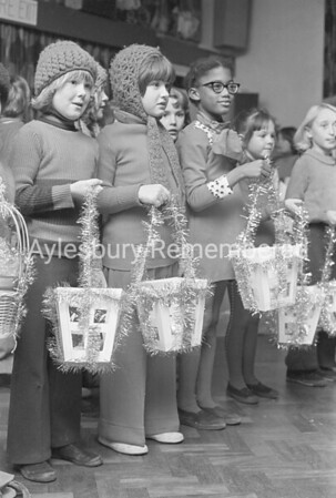 Elmhurst County Infant School concert, Dec 1975