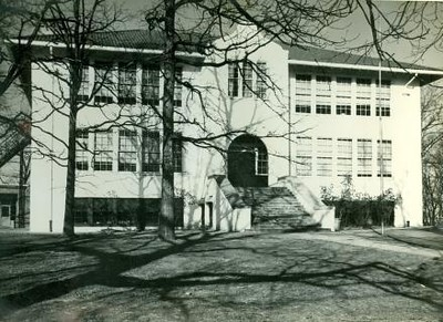 Old Fort Hill School Building (00358)
