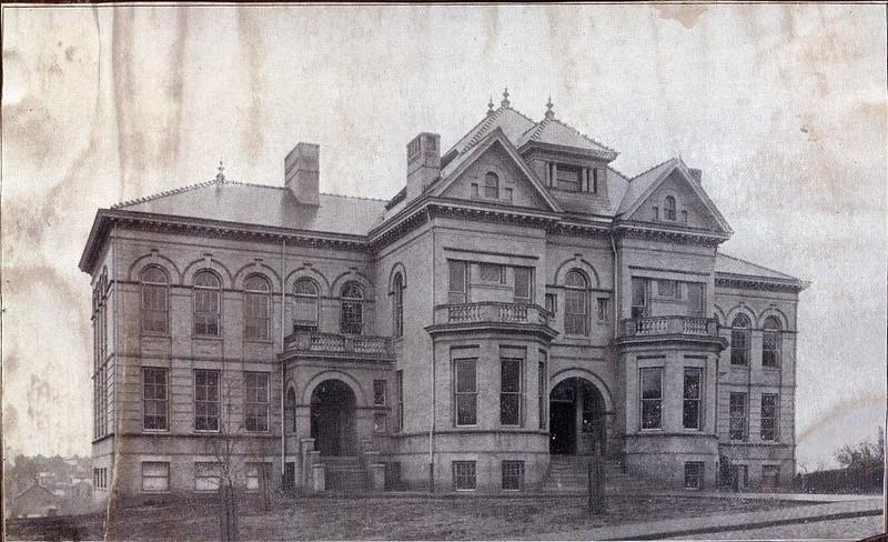 Lynchburg High School on Federal Street (07213)