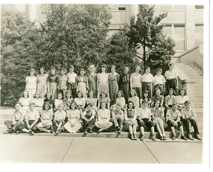 Class Photo of the Seventh Grade, Garland Rodes, 1941  (0 2017. 34. 30)