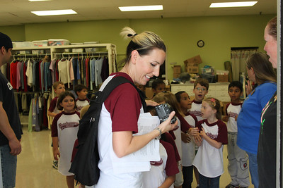 Hardeman Elementary Clothes Connection Visit