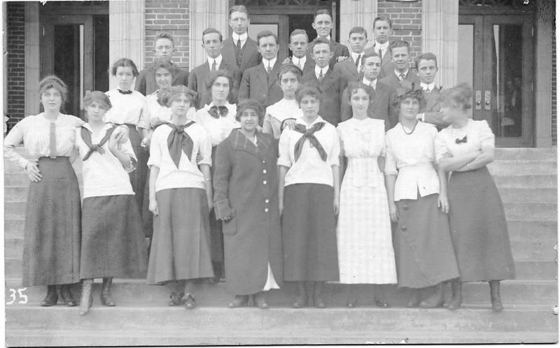 Lynchburg High School Students III (07199)