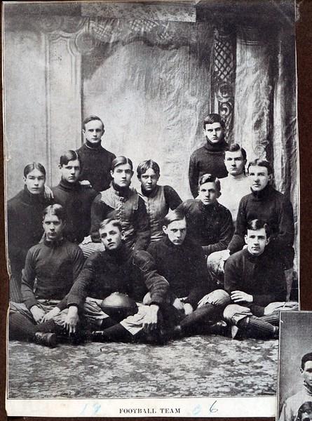 Lynchburg High School 1906 Football Team  (09578)