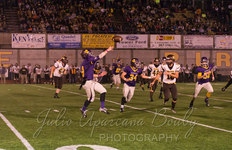 Marshfield High School Football vs North Bend - 0433