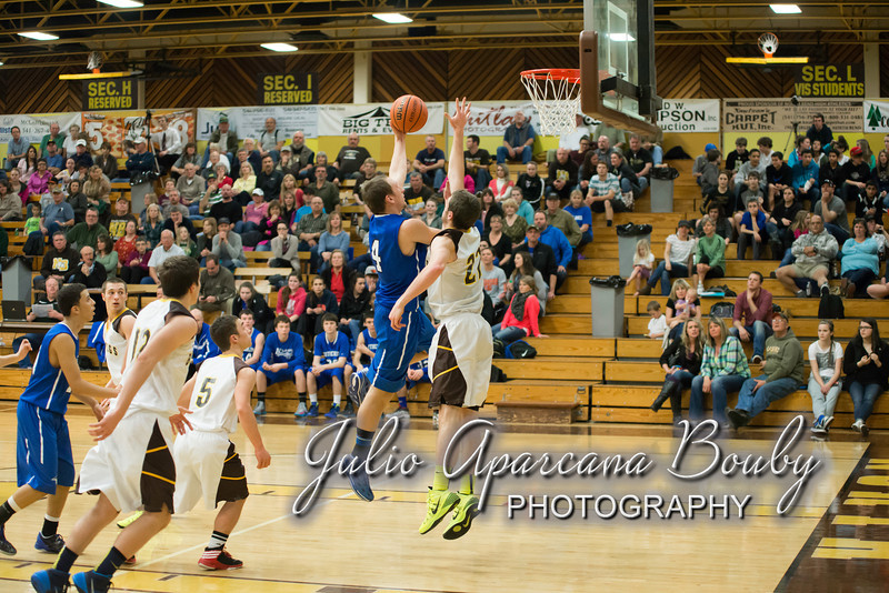 NBHS Boys Basketball vs Sutherlin - 0353