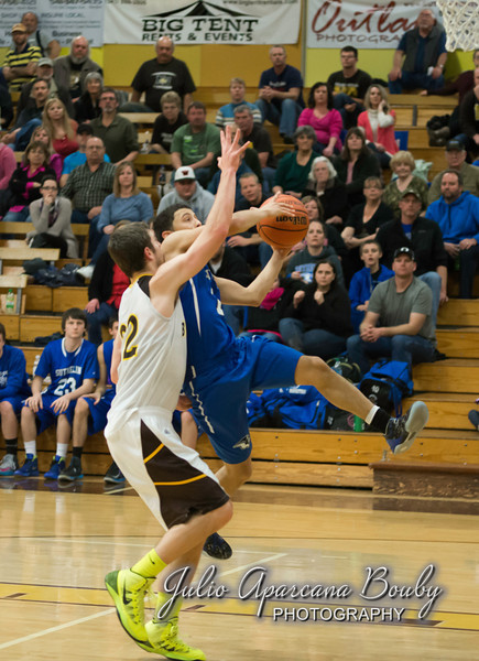 NBHS Boys Basketball vs Sutherlin - 0454