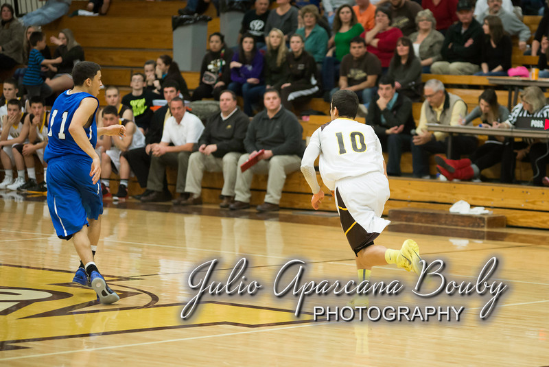 NBHS Boys Basketball vs Sutherlin - 0477