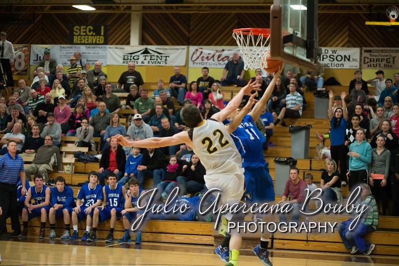 NBHS Boys Basketball vs Sutherlin - 0455