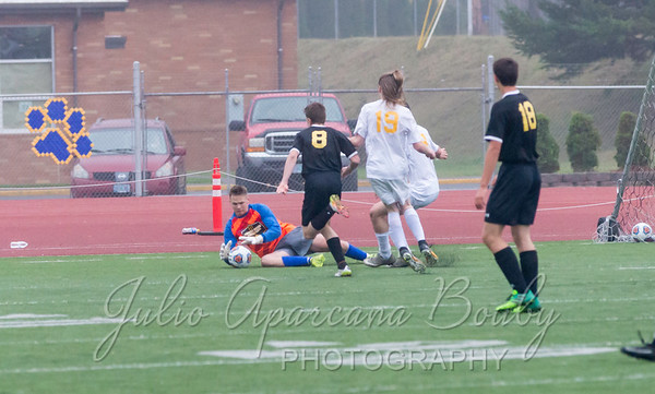 171028 NBHS Boys Soccer - 0439