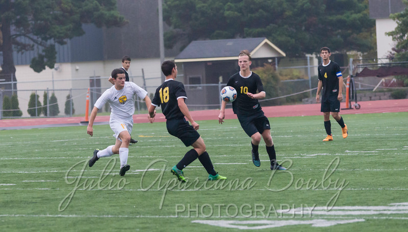 171028 NBHS Boys Soccer - 0458