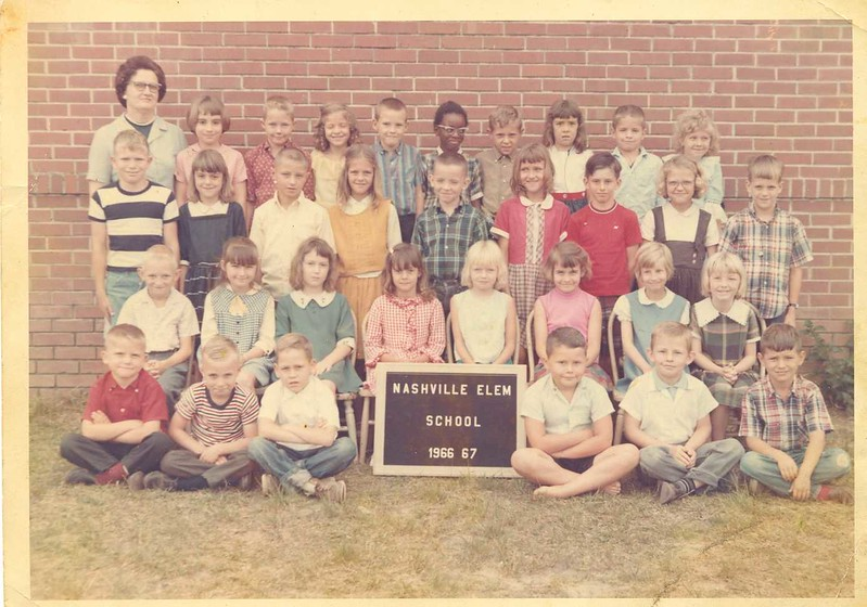 Mrs Inez Hendley's 2nd grade class, 1966-67<br /> 1st Row l-r: sitting: David Stone, _____, _______, Hank Blanton, Mike Simmons, _____<br /> 2nd row l-r: Winston Boyd, ______, Pam Nelms, Debbie Giddens,Pamela Sutton, Donna Taylor, Lynn Stallings, Denise Redmon<br /> 3rd row l-r: Benjie Tygart, _______,________,______, David Harnage,Mae Benefield,Sam Futch,______,_______<br /> Back Row l-r: Lou Griffin,_________,_______,_______,________, Randy McCorvey, Lynn Smith, ______, ________. (Information courtesy of Denise (Dee) Woods)