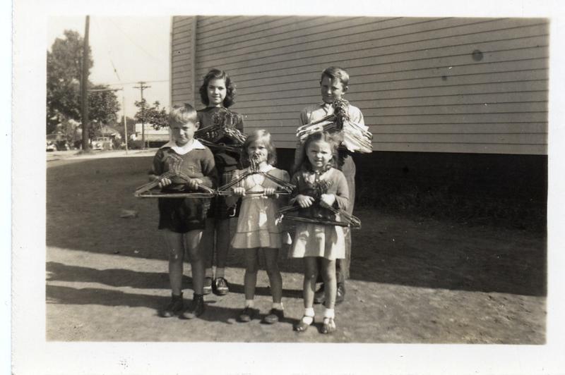 Old Fairview School-Coat Hanger Drive 1934-1967  (09562)