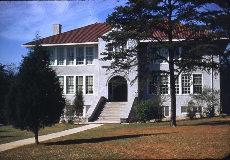 Peakland School   (09695)