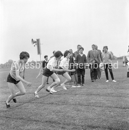 Quarrendon CS School sports, May 1963