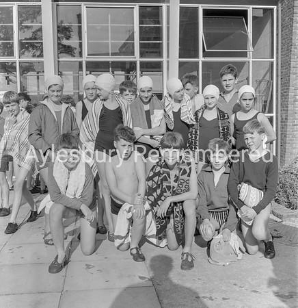 Quarrendon CS School Swimming Gala, July 1965