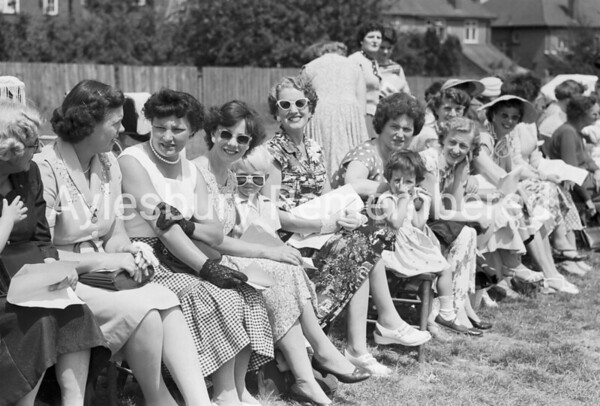 Queens Park Infants School sports, June 1959