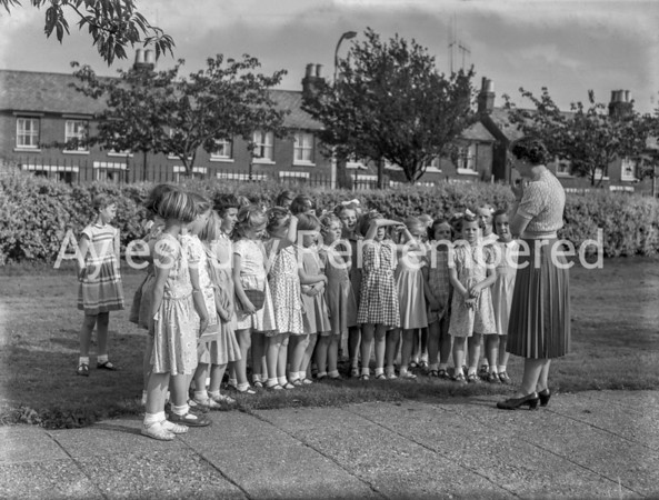 Queens Park School girls lesson in Vale Park, Sep 14 1956