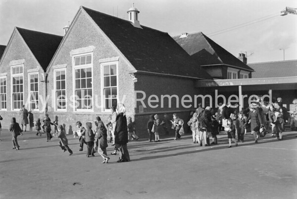 Queens Park Infant School closing, Feb 1976