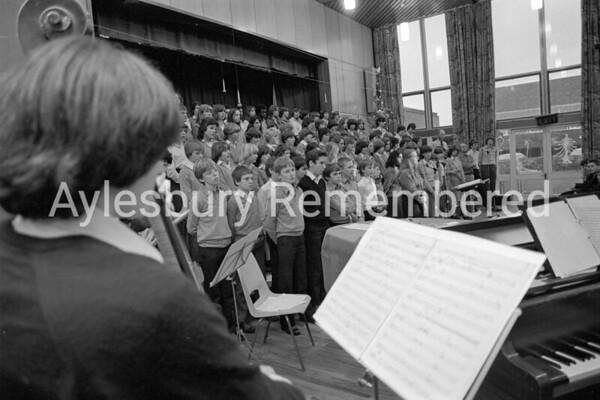 Bethlehem Blues play at Sir Henry Floyd Grammar School, Dec 1980