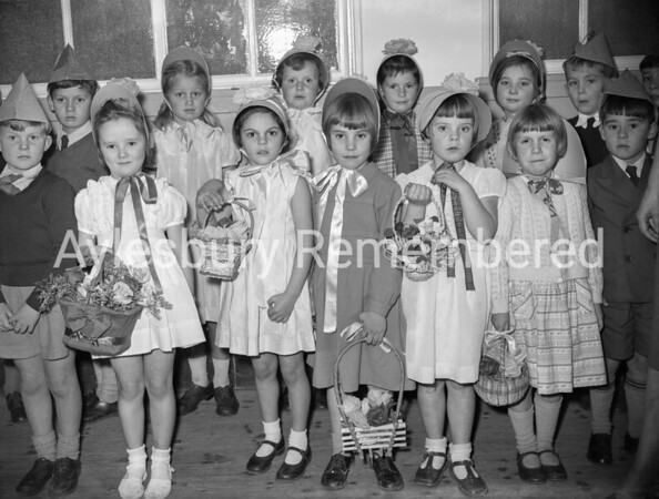 Southcourt Infants School concert, Dec 1958