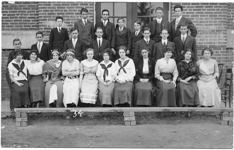 Lynchburg High School Students, ca. 1915  XI (09577)