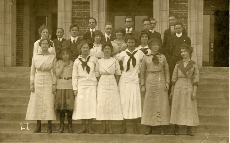 Lynchburg High School Students, ca. 1915  (09567)