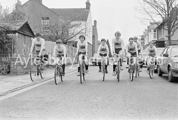 Vale School boys cycle marathon, Apr 1983