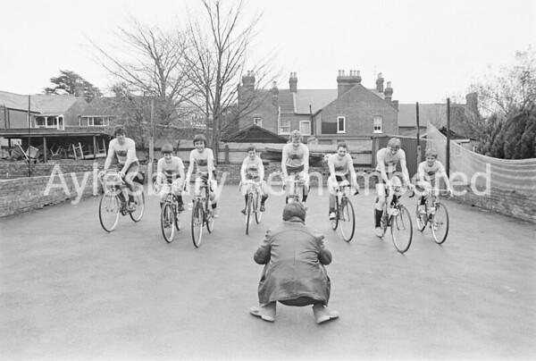 Vale School boys cycle marathon, Apr 1983