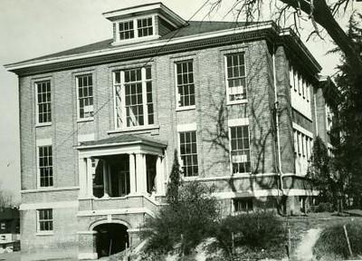 Yoder School (00381)