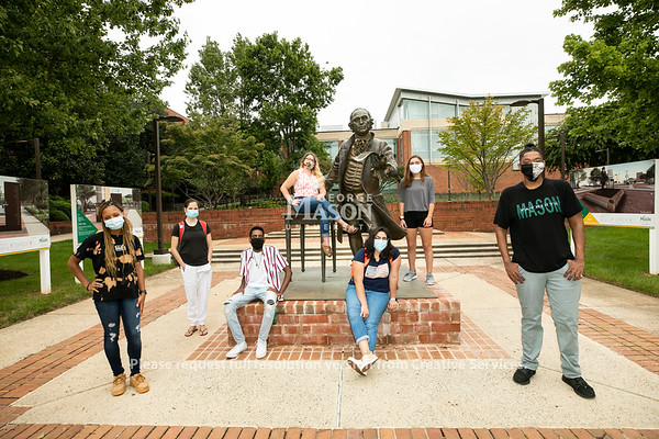 College of Humanities and Social Sciences students in Fairfax campus.  Photo by:  Ron Aira/Creative Services/ George Mason University
