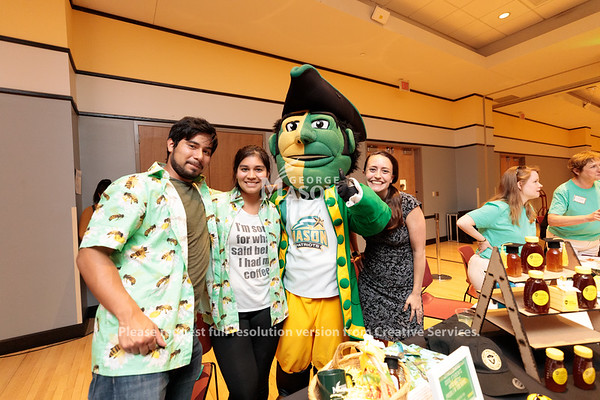 The School of Business WelcomeFest in Dewberry Hall. Photo by Ian Shiff/Creative Services/George Mason University